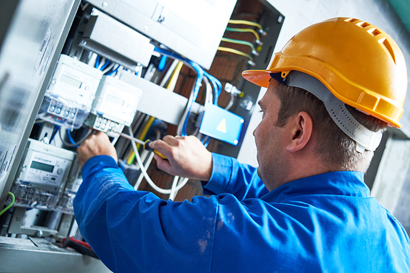 Become An Electrician in Rotherham South Yorkshire